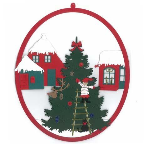 Fensterbild Weihnachtsbaumschmücken auf dem Marktplatz